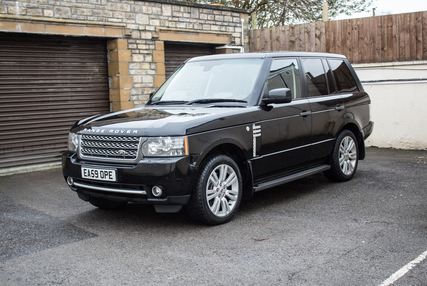 sold 2010 range rover vogue cars of somerset. Black Bedroom Furniture Sets. Home Design Ideas